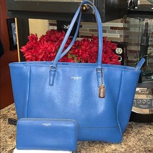 Coach tote and zipper wallet